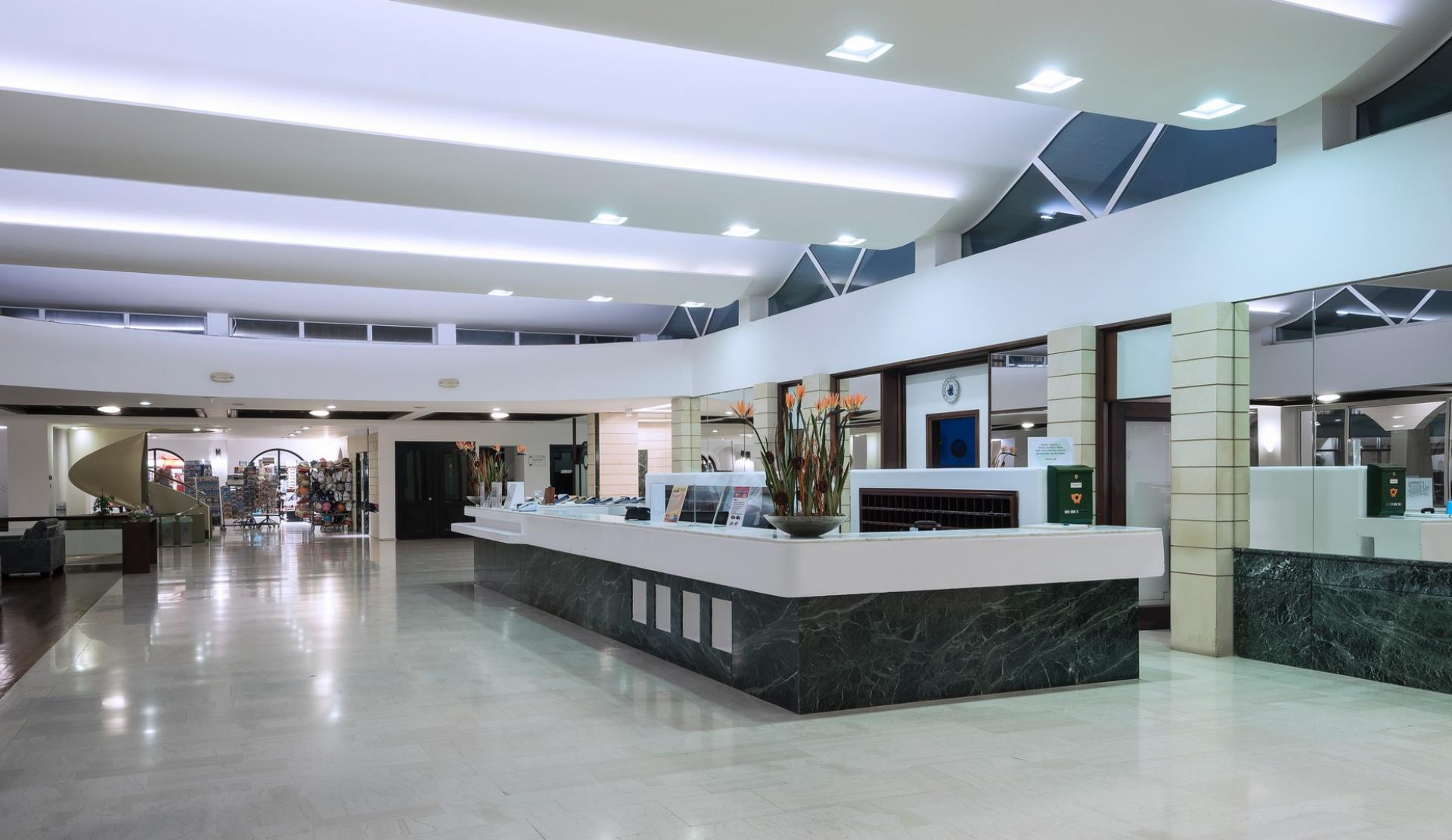Lobby - Indoor